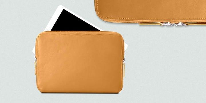 Suojakuori iPad Pro 12.9 vetoketjulla - Punainen - Pintanahka